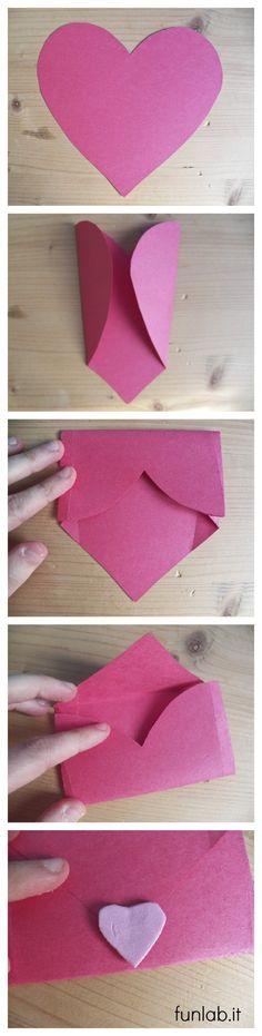 Lavoretti San Valentino: la busta a forma di cuore