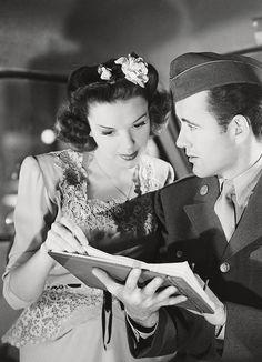 Judy Garland and Robert Walker in The Clock, 1945. (dir. Vincente Minnelli)