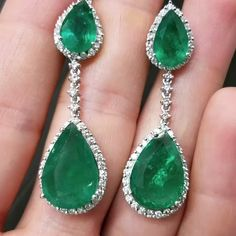 Womens Emerald Diamond Drop Earrings Gold Fancy colors of gemstone earri. Rose Gold Drop Earrings, Emerald Earrings, Emerald Jewelry, Bridal Earrings, Gemstone Earrings, Women's Earrings, Bridal Jewelry, Gold Diamond Watches, Trendy Jewelry