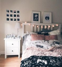 Living inspiration Schwarz, Weiß, Pink und Grau The Bedroom Refuge Is your bedroom a haven — a sanct Teen Bedroom Designs, Bedroom Themes, Bedroom Decor, Bedding Decor, Bedroom Wall, Wall Decor, Bedroom For Girls Kids, Cute Teen Bedrooms, Room Ideas For Teen Girls