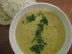 My Thermomix Kitchen - Blog for healthy low fat Weight Watchers friendly recipes for the Thermomix : Cauliflower Soup