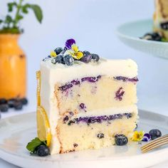 This lemon blueberry buttermilk cake with cream cheese frosting is tart, tangy and and just the right amount of sweet! The perfect summer cake for a BBQ or special get together! Lemon Cream Cheese Frosting, Cake With Cream Cheese, Köstliche Desserts, Dessert Recipes, Health Desserts, Plated Desserts, Dessert Ideas, Baking Recipes, Fondant Recipes