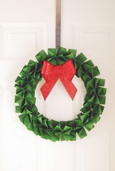 DIY Paper Holiday Wreath - The Proper Pinwheel