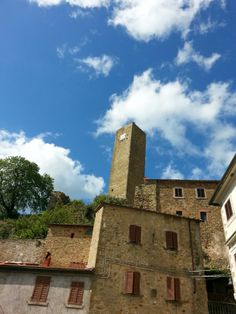 Una giornata di sole nel borgo -   A sunny day in the old village