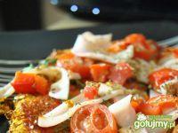Pizza na marchewkowym spodzie