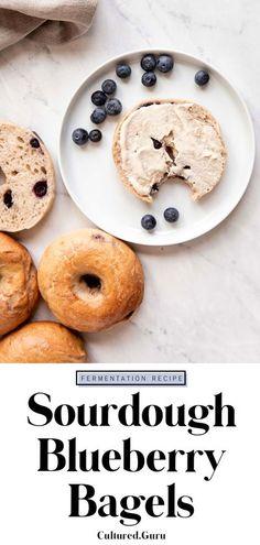 Vegan Brunch Recipes, Vegan Baking Recipes, Dessert Recipes, Desserts, Sourdough Bagels, Sourdough Recipes, Bread Recipes, Blueberry Bagel, Cheese Bagels
