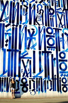 Graffiti by Los Angeles-born artist Marquis Lewis whose street name is Retna. #Arte #Rua
