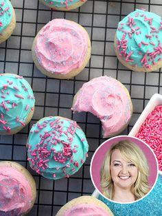 Bakerella's Secret-Ingredient Sugar Cookies http://greatideas.people.com/2014/09/12/bakerella-sour-cream-sugar-cookie-recipe/