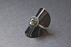 Labradoriet ring handgemaakt sterling zilver door Draadjuwelen
