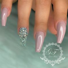 Some of you may still think that rhinestones nail perfection is not for everyone – we are here to prove you wrong! The list of ideas with the involvement of rhinestones is limitless! #naildesigns #nailsart