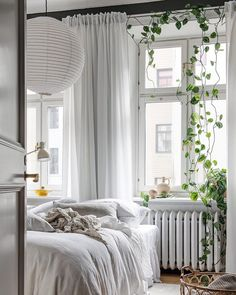 Sun Filled Flat With A Dreamy Bedroom Home Bedroom Decor Quirky Home Decor, Cheap Home Decor, Minimalist Bedroom, Minimalist Home, Interior House Colors, Interior Design, Home Bedroom, Bedroom Decor, Bedroom Modern