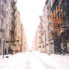 Soho New York City by Vivienne Gucwa @travelinglens | newyork newyorkcity newyorkcityfeelings nyc brooklyn queens the bronx staten island manhattan @lingkingman @ellistuesday @BastienGchr @Parccy