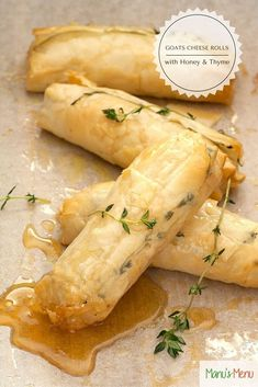Cheese Rolls with Honey and Thyme Baked Goats Cheese Rolls with Honey and Thyme - a classy and delicious appetiser idea!Baked Goats Cheese Rolls with Honey and Thyme - a classy and delicious appetiser idea! Yummy Appetizers, Appetizers For Party, Appetizer Recipes, Goat Cheese Appetizers, Appetizer Ideas, Nibbles Ideas, Phyllo Recipes, Think Food, Love Food