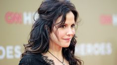 Mary-Louise Parker Joins 'The Blacklist' Season 2 Mary Louise Parker, Nancy Botwin, Long Hair Cuts, Long Hair Styles, Blacklist Seasons, Lolita Hair, Mary Elizabeth, Hairspray, American Actress