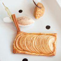 Tarte fine aux pommes, au miel et 4 épices, glace cannelle - Marie Claire Idées
