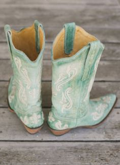 Boots for the bride? Yes, boots can be a great and even classy option for a modern bride. Verde Vintage, Rain Boots, Shoe Boots, Wedding Boots, Mint Blue, Desert Rose, Cowgirl Boots, Western Boots, Me Too Shoes