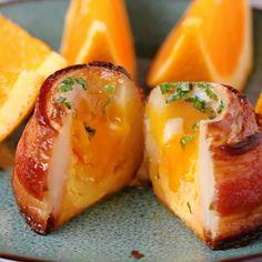 Breakfast Potato Volcanoes // #breakfast #eggs #bacon #potato #tasty