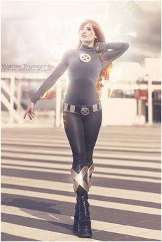 Jean Grey - Jen Phoenix Cosplay(Jennifer De Filippi) Jean Grey Cosplay Photo - WorldCosplay