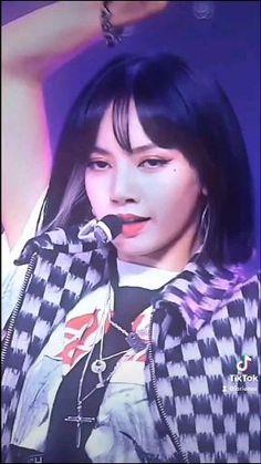 Black Pink Songs, Black Pink Kpop, Korean Drama Best, Blackpink Poster, Kpop Girl Bands, Blackpink Funny, Black Pink Dance Practice, Lisa Blackpink Wallpaper, Kim Taehyung Funny