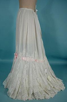 http://www.antiquedress.com/item7028.htm