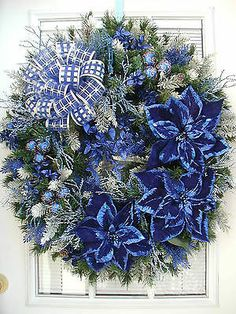 Love the navy blue flowers