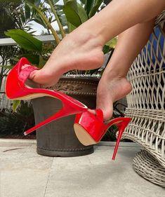 Tan Strappy Heels, Sexy Legs And Heels, Hot Heels, Sexy High Heels, High Heels Stilettos, Stiletto Heels, Pantyhose Heels, Stockings Heels, Beautiful High Heels