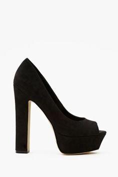 Chemistry Platform Pump in Black -chunky heel + peep toe = LOVE. Dream Shoes, New Shoes, Black Pumps, Black Shoes, Shoe Boots, Shoes Sandals, Unique Shoes, Platform High Heels, Girls Shoes