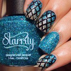 Sparkles!✨ Diamonds and Glitter, oh my! By @aanchysnails - Diamond #NailVinyls www.snailvinyls.com