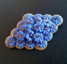 Antique Art Deco Vintage Brooch Pin Molded Flower Cluster Seed Bead Gold Tn 4104