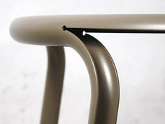 Daniel Lorch presented his latest project: Split Chair. Its a combination of traditional tube bending with the newest laser-technology Furniture Inspiration, Design Inspiration, Design Ideas, Chair Design, Furniture Design, Id Design, 3d Laser, Steel Furniture, Metal Fabrication