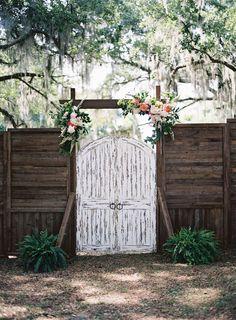 door for an outdoor ceremony space | Tec Petaja