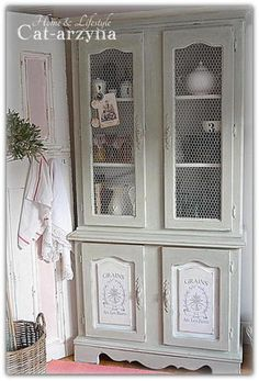 FRENCH STYLE SHABBY CHIC PAINTED SOLID DRESSER WITH CHICKEN WIRE DOORS | eBay