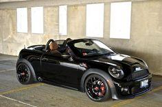 Mini Roadster: Yeah …this is me! Not one of those F(ix) I(t) A(gain) T(ony)… Mini Roadster: Ja … das bin ich! Keiner dieser F (ix) I (t) A (Gewinn) T (nur). Mini Cooper 2017, Black Mini Cooper, Fancy Cars, Cute Cars, My Dream Car, Dream Cars, Mini Copper, Mini Cooper Convertible, Roadster