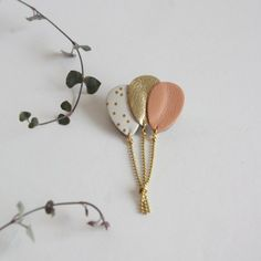 Check out unique items from Lindiscrete on Etsy, a marketplace i … – BIJOUX Handmade Leather Jewelry, Diy Leather Earrings, Leather Gifts, Leather Craft, Leather Accessories, Handmade Accessories, Do It Yourself Schmuck, Couture Cuir, Diy Accessoires