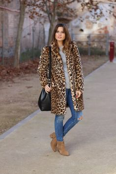 Healthy breakfast ideas for kids age 9 to make 3 12 11 Leopard Print Outfits, Leopard Jacket, Animal Print Jeans, Animal Print Fashion, Winter Outfits, Casual Outfits, Fashion Outfits, Fashion Ideas, Fur Coat Outfit