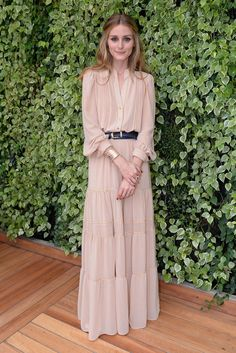 Olivia Palermo in boho chic maxi dress / gown. women's fashion and style. Modest Fashion, Hijab Fashion, Estilo Olivia Palermo, Olivia Palermo Style 2017, Olivia Palermo Outfit, Look Fashion, Womens Fashion, Fashion Rings, Fashion Belts