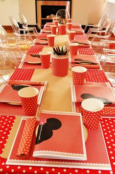 Vintage Minnie Mouse Party via Kara's Party Ideas | Kara'sPartyIdeas.com #Vintage #MickeyMouse #Party #Idea #Supplies (10)