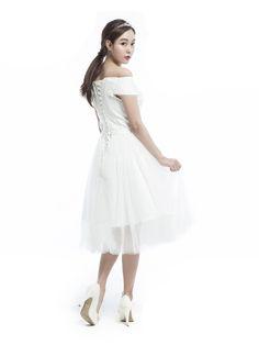 CLEAN OFF-SHOULDER DRESS - 뮤제드륀느뮤제드륀느