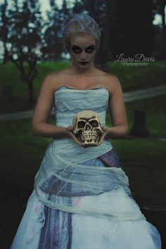 Cemetery Photoshoot Ghoul Ghost Makeup Halloween Costume Inspiration Skull Local Snohomish County Arlington WA Photographer Laura Davis Photography