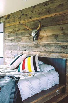 Old Montana Building - rustic bedroom decor Rustic Bedroom Design, Diy Bedroom Decor, Rustic Bedrooms, Bedroom Signs, Decorating Bedrooms, Master Bedrooms, Bedroom Ideas, Quirky Home Decor, Cheap Home Decor
