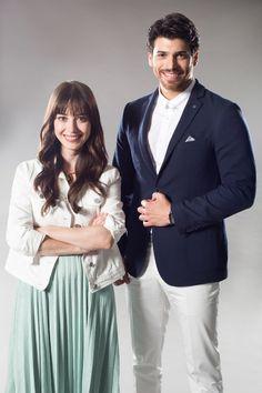 Star Tv'nin yeni dizisi Dolunay, Özge Gürel, Can Yaman Turkish Men, Turkish Fashion, Turkish Beauty, Turkish Actors, Turkish Style, Tv Actors, Actors & Actresses, Famous In Love, Drama Tv Series