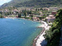 Le splendide coste del Lago di Garda: Cerniera fra tre regioni, Lombardia (provincia di Brescia), Veneto (provincia di Verona) e Trentino-Alto Adige (provincia di Trento).