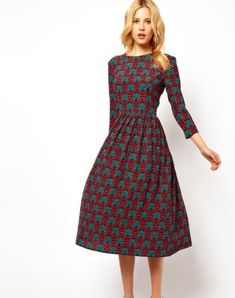 Simple sister missionary dress something like this would be adorable! the high neck, long-ish sleeves, waist, with the a-line skirt. Trendy Dresses, Modest Dresses, Modest Outfits, Simple Dresses, Modest Fashion, Cute Dresses, Formal Dresses, Modest Clothing, Adele Dress