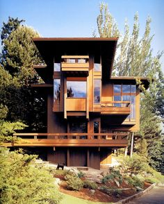 One of the few projects Julius Shulman shot in the Northwest; the Runions Residence designed by Ralph Anderson in 1969.     Modernism Rediscovered, text by Pierluigi Serraino, Taschen