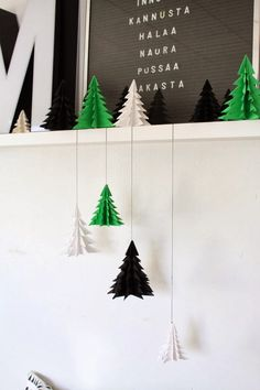 DIY / christmas tree origami. Use Anna Griffin Seasonal Soirees Image Set to create 3D Christmas Trees