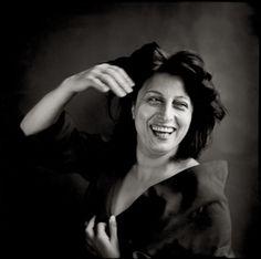 '..ché dentro a li occhi suoi ardeva un riso tal, ch'io pensai co' miei toccar lo fondo de la mia grazia e del mio paradiso.' (Paradiso, 15.34-36, Divina Commedia)  [nella foto l'attrice italiana Anna Magnani ritratta dal fotografo statunitense Richard Avedon (1953)].  #sorriso #cult #riso #poesia #amore #Dante #DivinaCommedia #AnnaMagnani #RichardAvedon #fotografia #cinema #letteratura #IpseDixit #CultStories