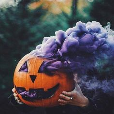 Hands up of your longing for Halloween, cold weather, rain and fog 🙋🏼🍂🎃🌧 #damnuheatwave - - - Re-post from @alittlewitchinallofus #halloween #allhallowseve #samhain #pumkin #pumkincarving #jackolantern #fog #smoke #purplehaze #witchy #witchyvibes