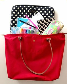 Handbags \u0026amp; Heartbeats: What\u0026#39;s In My School Bag?