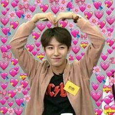 just a slice of bizarre couple's life - ft.런쥔, 황 inspired by Boyfri… # Fiksi penggemar # amreading # books # wattpad Funny Kpop Memes, Cute Memes, Meme Faces, Funny Faces, Love In Korean, Best Friend Day, Heart Meme, One Sided Love, Heart Emoji