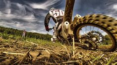 Motocross fahren mit Chris Moeckli Motocross Training, Moto Motocross, Off Road, Bike, Enduro, Hobbies, Bikers, Quotes Motivation, Drawings